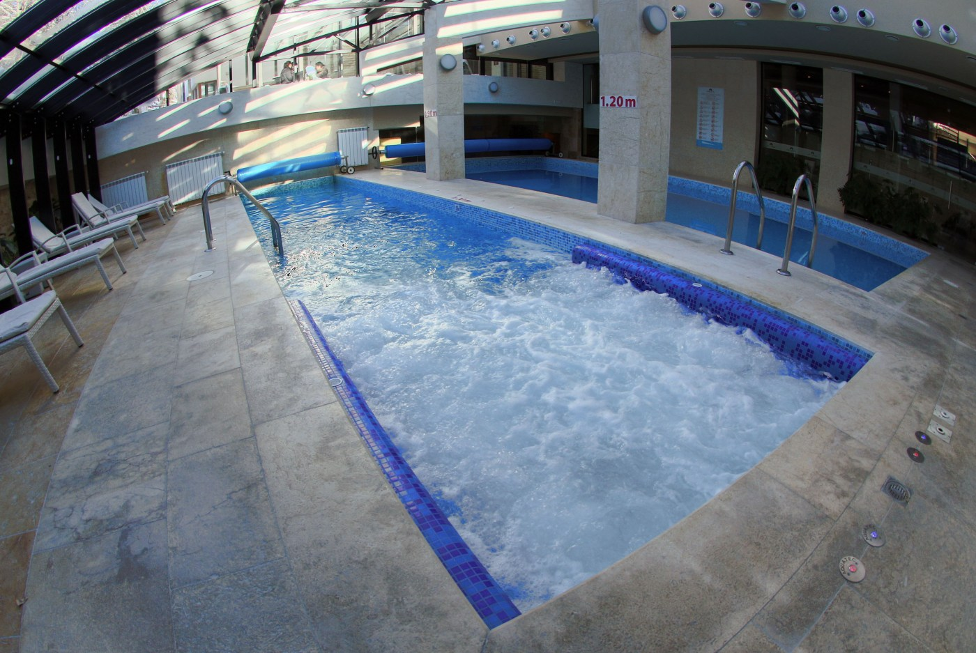 Swimming pools and Jacuzzi